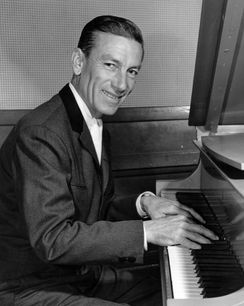Hoagy Carmichael - Bob Sharples - Hoagy Plays Ballads For Dancing